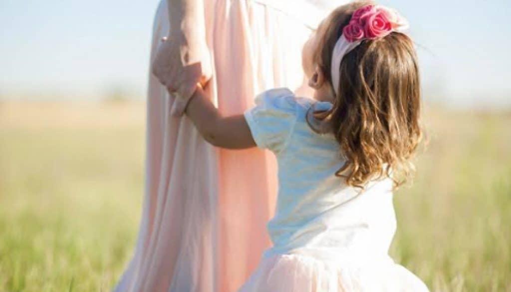 על כיבוד הורים ותודעת שירות/ אסתר סולטן על-פי אהובה צוקרמן